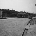 昭和40年代中頃。砂埃を上げながらトラックが走ります。-鳥取砂丘らくだや